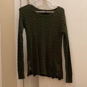 American Eagle Medium Forest Green Sweater